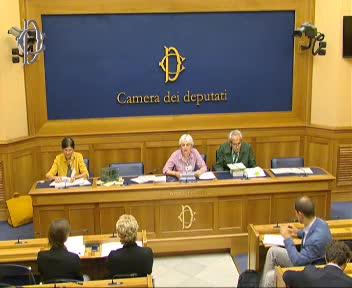 Liberi di volare conferenza stampa sui richiami vivi di for Web tv camera