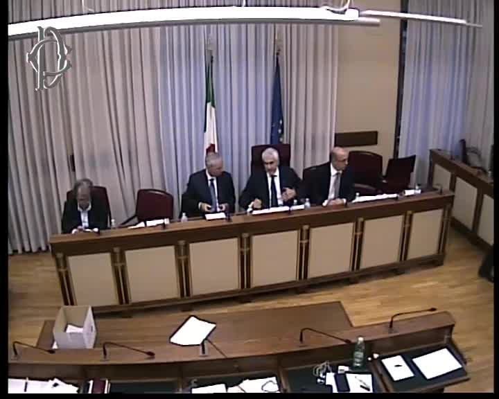 Commissione banche audizione barbagallo banca d 39 italia for Web tv camera